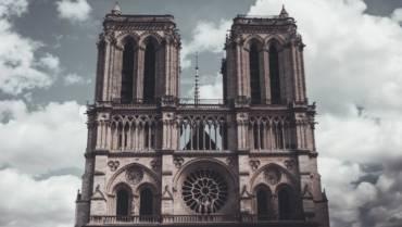 Y Notre-Dame sin seguro…